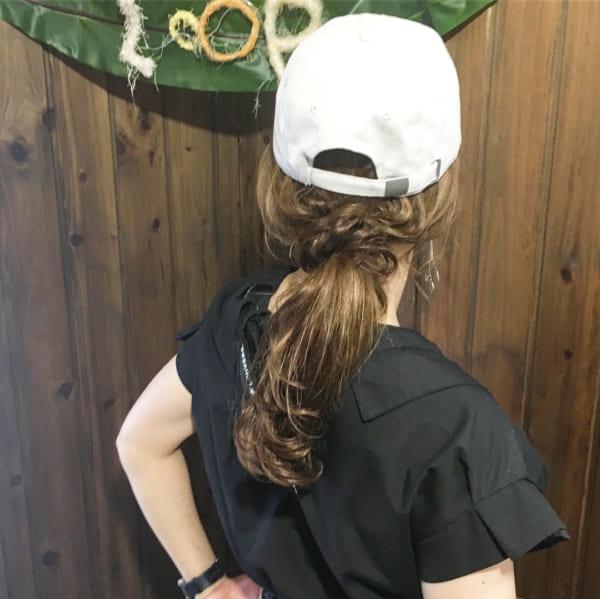 帽子をかぶっている際のヘアアレンジ特集23