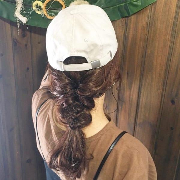 帽子をかぶっている際のヘアアレンジ特集17