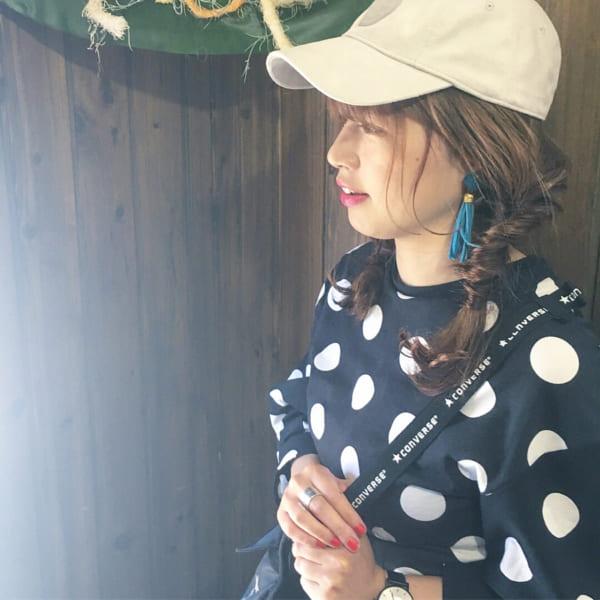 帽子をかぶっている際のヘアアレンジ特集25