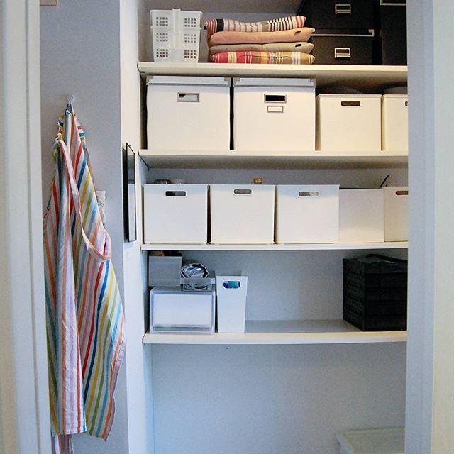 引き出しやクローゼットなど、他の収納と組み合わせた収納例2