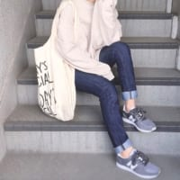 大人女子のおしゃれスニーカーコーデ☆カラー別の春スタイリングをご紹介♪