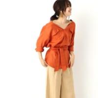 オレンジのシャツブラウスで鮮やかに♪春を呼び寄せる大人女子コーデまとめ