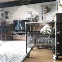 ホームエレクターヴィンテージ活用法☆古材風の無垢材とエイジング塗装の魅力