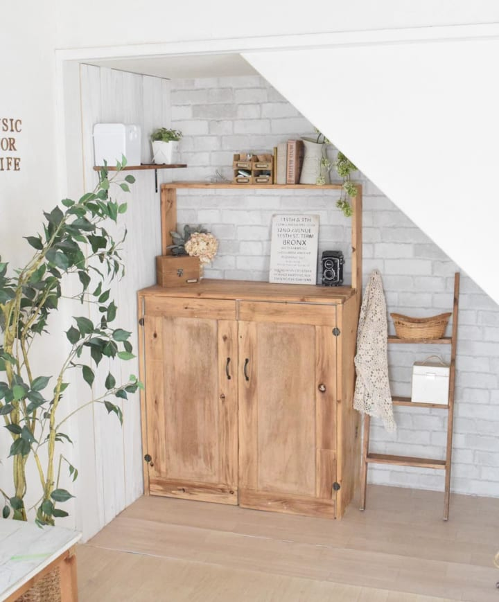 壁紙と板壁DIYの完成形
