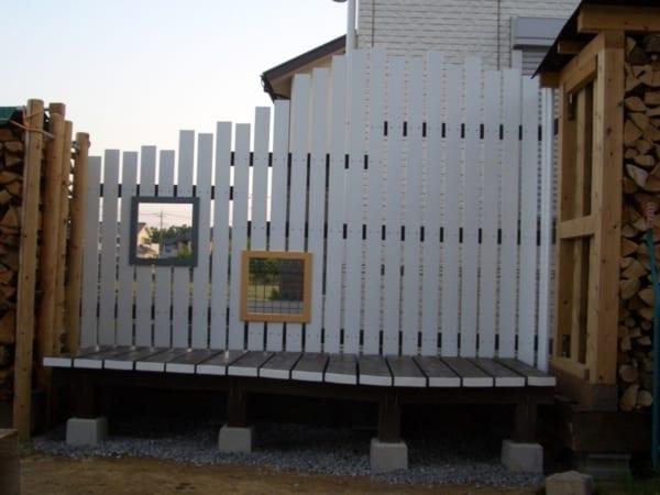 屋外収納の幅が広がるウッドフェンス3