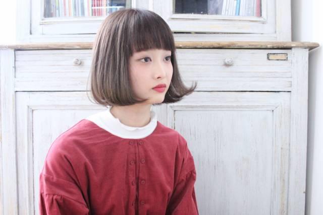 ぱっつん前髪のシースルーバング