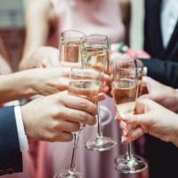 【結婚式・懇親会・忘年会・送別会・歓迎会】乾杯の挨拶例を一挙ご紹介♪