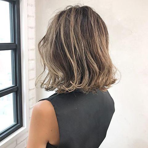 髪を染めるならグラデーションで決まり カラーも長持ちで忙しいオトナ