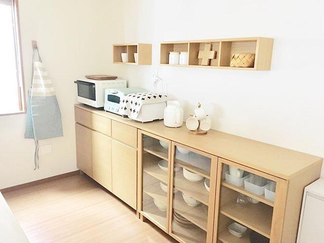 無印良品の壁に付けられる家具「箱タイプ」を4個連結(幅88センチ)