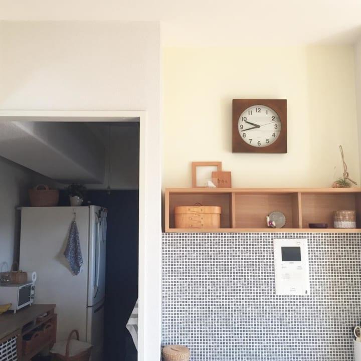壁に壁に付けられる家具2