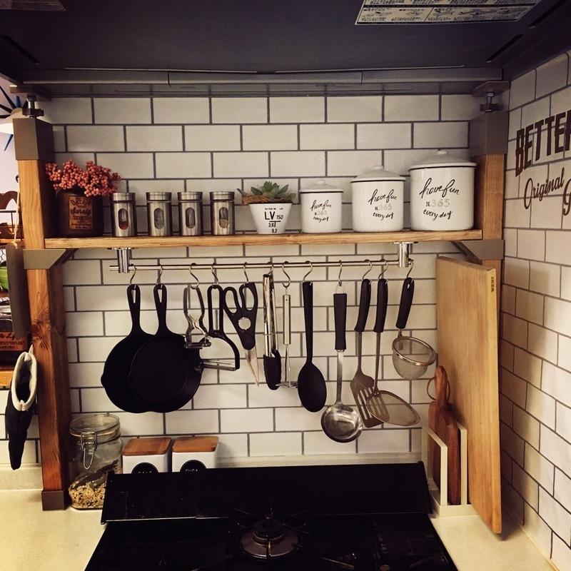 ラブリコを使ったDIYアイデア集 キッチンの調味料棚