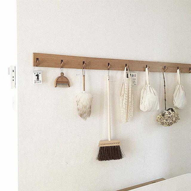 吊るす収納アイデア⑤掃除道具8