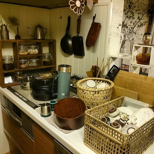キッチンのかご収納アイデア3