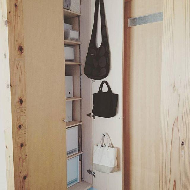 吊るす収納アイデア④ファッション類6