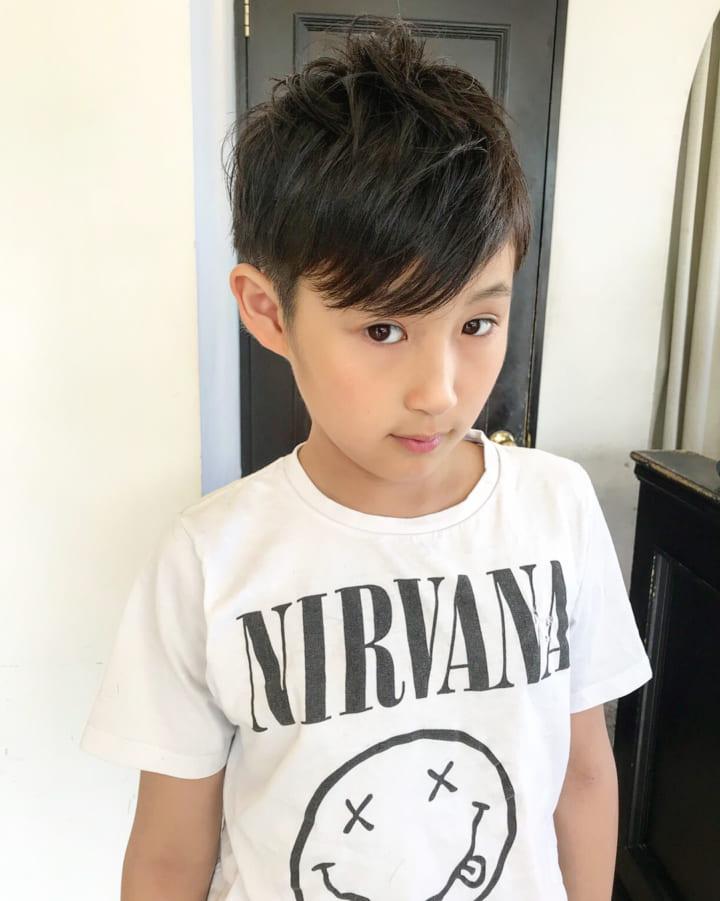 キッズヘアカタログ☆男の子のトレンドの髪型をご紹介します