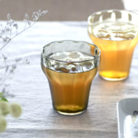 クリアなグラスで夏の食卓に清涼感を。おすすめのラインナップ&素敵なグラスのある風景をご紹介