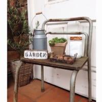 可愛いお部屋作りのアイテム☆椅子をオブジェとして使うおしゃれなアイディアをご紹介