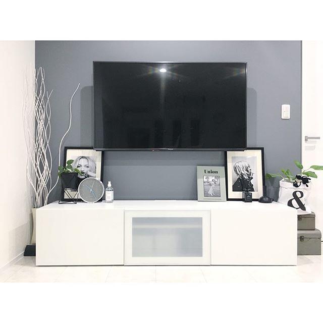 テレビボード モノトーンインテリアの設置実例11