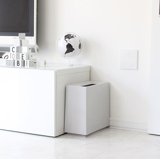 リビングなどの生活空間は「馴染み」能力が強いゴミ箱を2