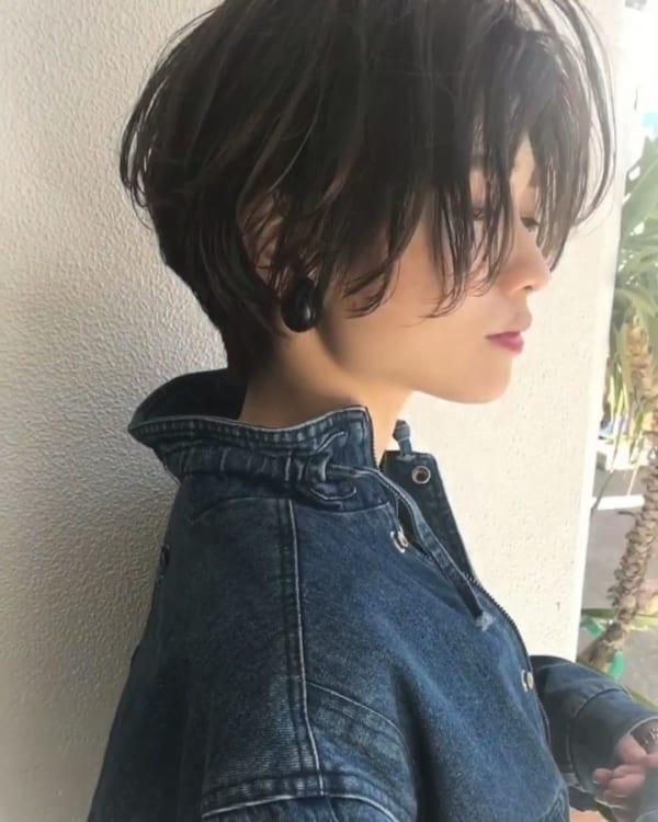 長い前髪を活かした魅力的なヘアスタイル5