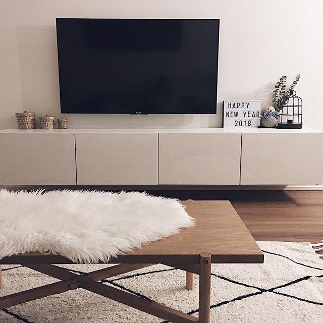 テレビボード モノトーンインテリアの設置実例8