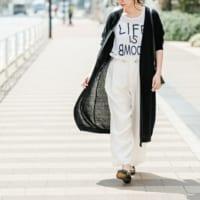 ロゴTでもこなれ感のある着こなしをしたい!大人の女性におすすめの≪ロゴTシャツ≫コーデ
