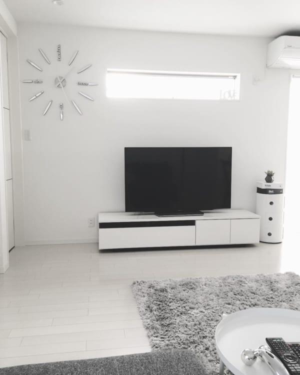 テレビボード モノトーンインテリアの設置実例