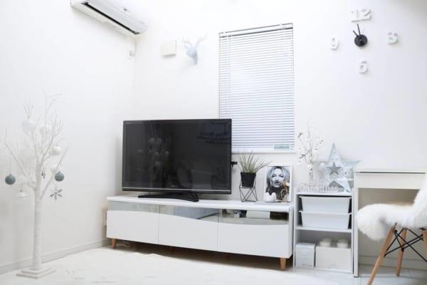 テレビボード モノトーンインテリアの設置実例13