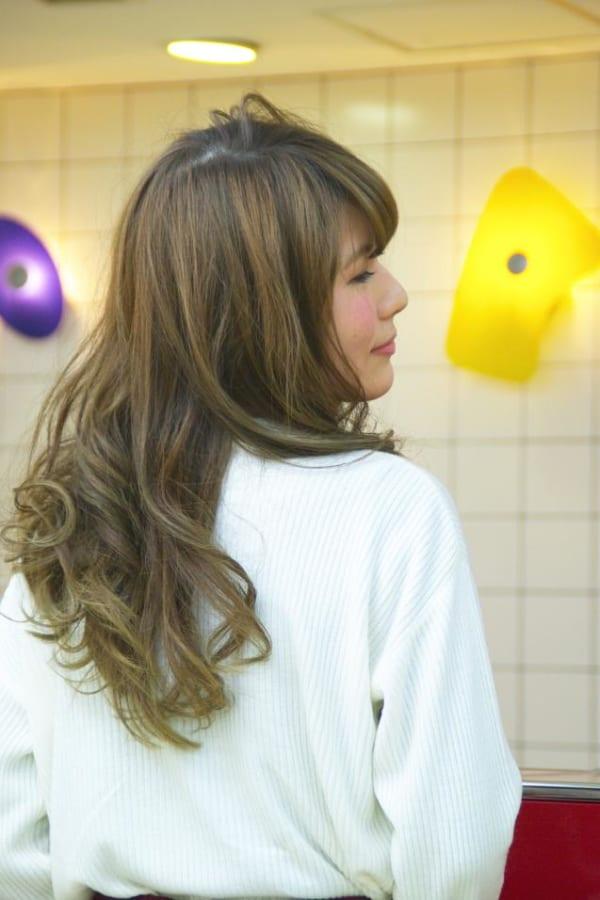 髪の美しさが際立つロング9