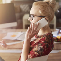 彼氏に電話をするベストなタイミング!会話を盛り上げる話題やコツまとめ