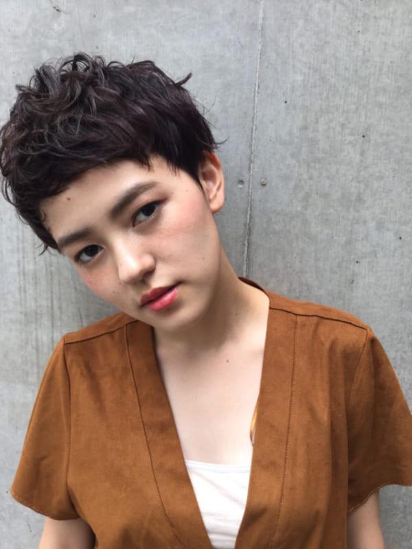 黒髪ベリーショート①パーマスタイル3