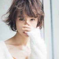 女らしくて可愛い♡ゆるいカールがポイントのショートヘアがおすすめ!