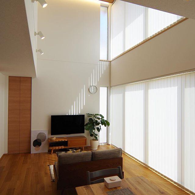 間接照明が効果的なリビング実例5
