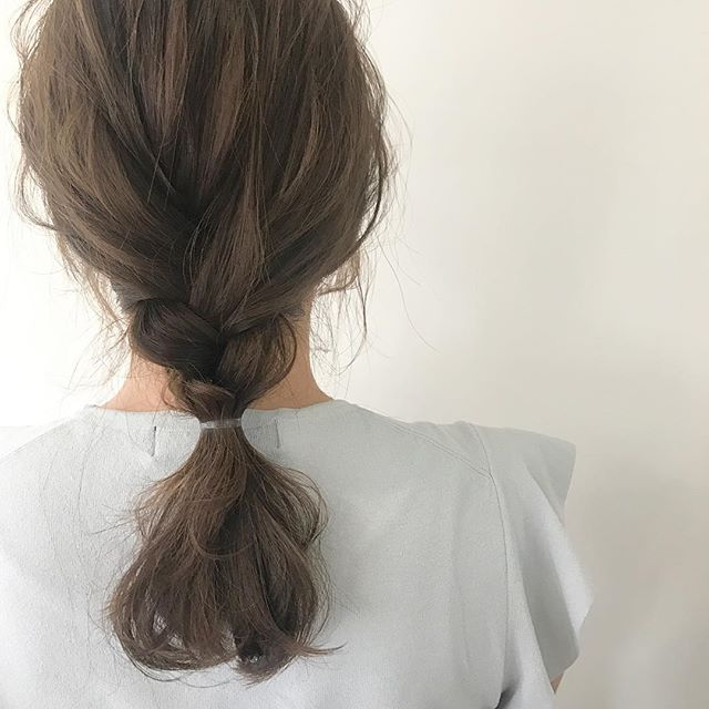 オフィスで使える簡単まとめ髪7