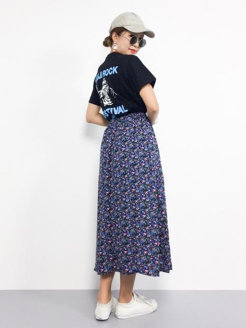 王道フェスコーデ 花柄スカート