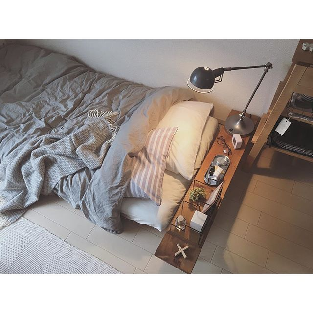 一人暮らしのベッド周りの収納4