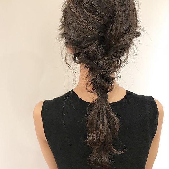 オフィスで使える簡単まとめ髪6