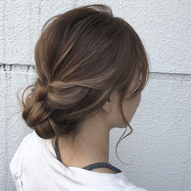 オフィスで使える簡単まとめ髪8