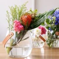 花を引き立てるシンプルで洗練されたデザイン☆北欧のフラワーベースをご紹介します