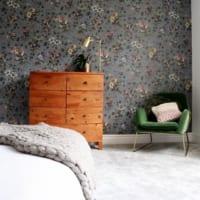 プライベート空間はインテリアで遊ぼう♪植物柄の壁紙を使ったベッドルーム8選