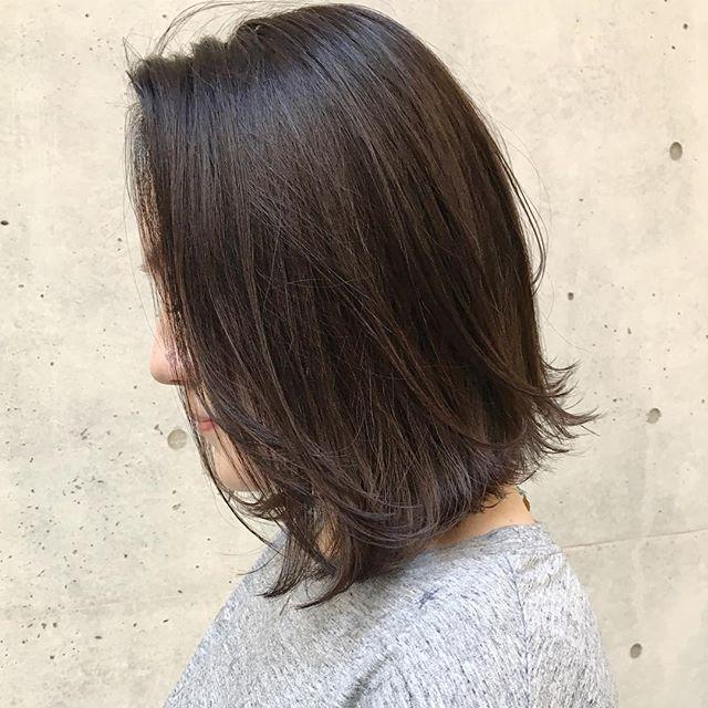 長めボブのおしゃれなヘアスタイル35