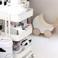 赤ちゃんのいる暮らしでもすっきりと!おむつやケア用品・ベビー服の収納アイデア
