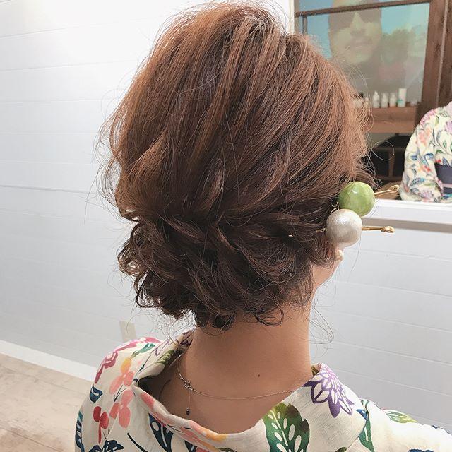 ショートヘア 編み込み アップ アレンジ3
