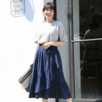 『ネイビースカート』コーデ50選!ベーシックで使いやすい大人女子おすすめスタイル♡