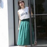 グリーンスカートを使ったコーデ50選!お洒落で魅力的な着こなしをピックアップ♪