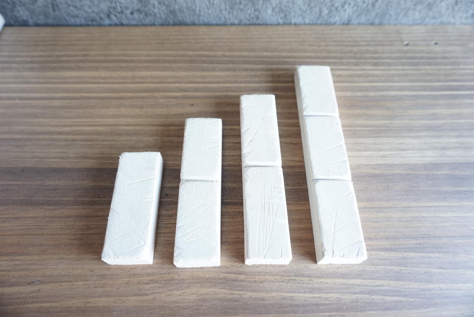 レンガ風壁面の木箱4