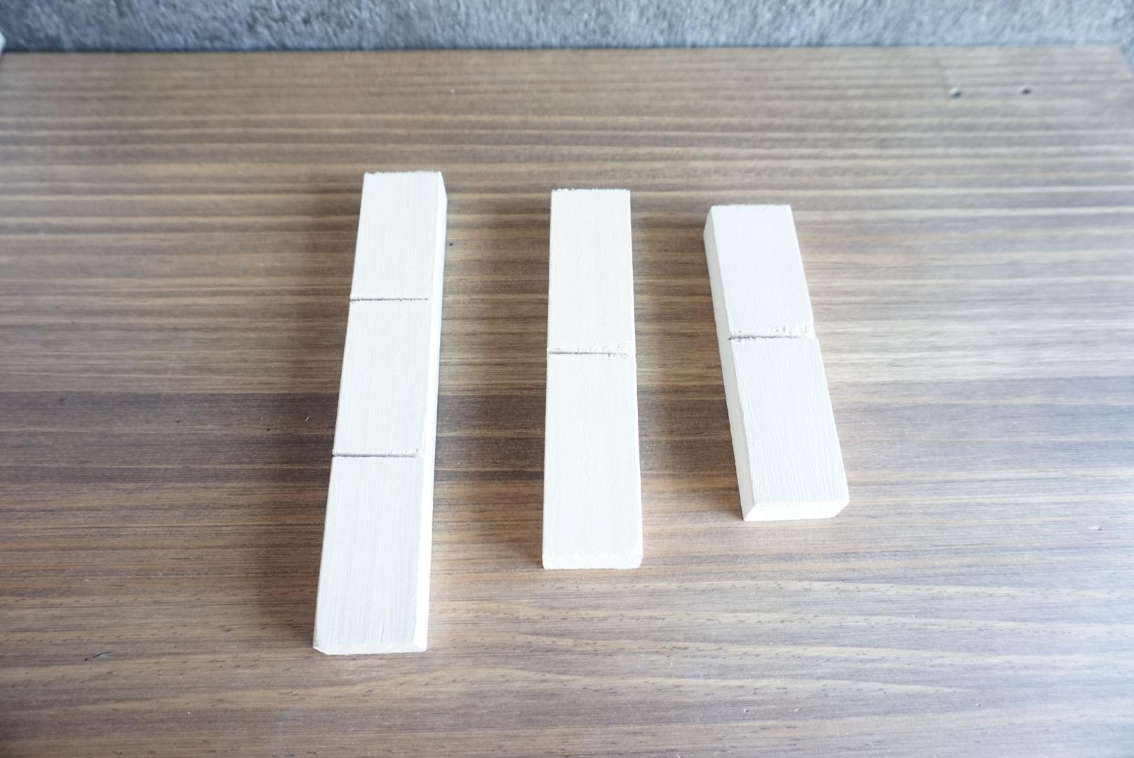 レンガ風壁面の木箱3
