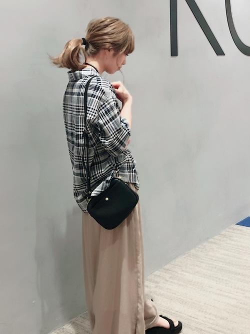 [koe] ・衿付半袖スキッパーシャツ