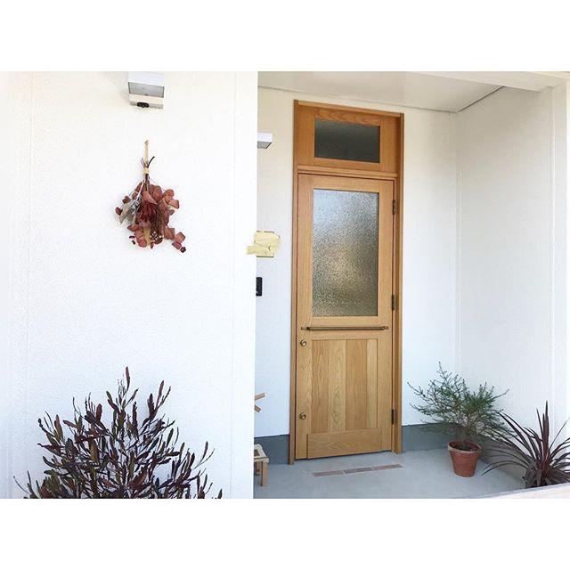 コンクリートのおしゃれな玄関ポーチ8