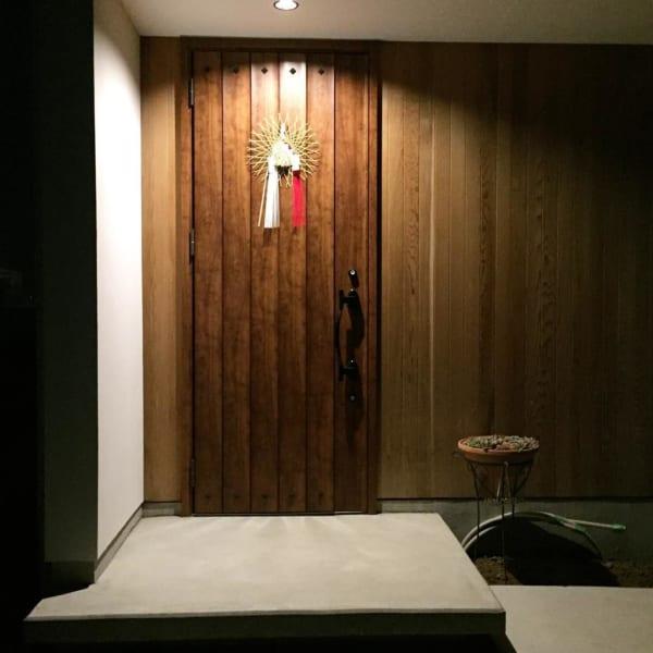 コンクリートのおしゃれな玄関ポーチ4